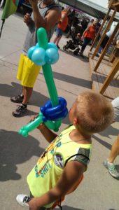 balloon twisting laser gun