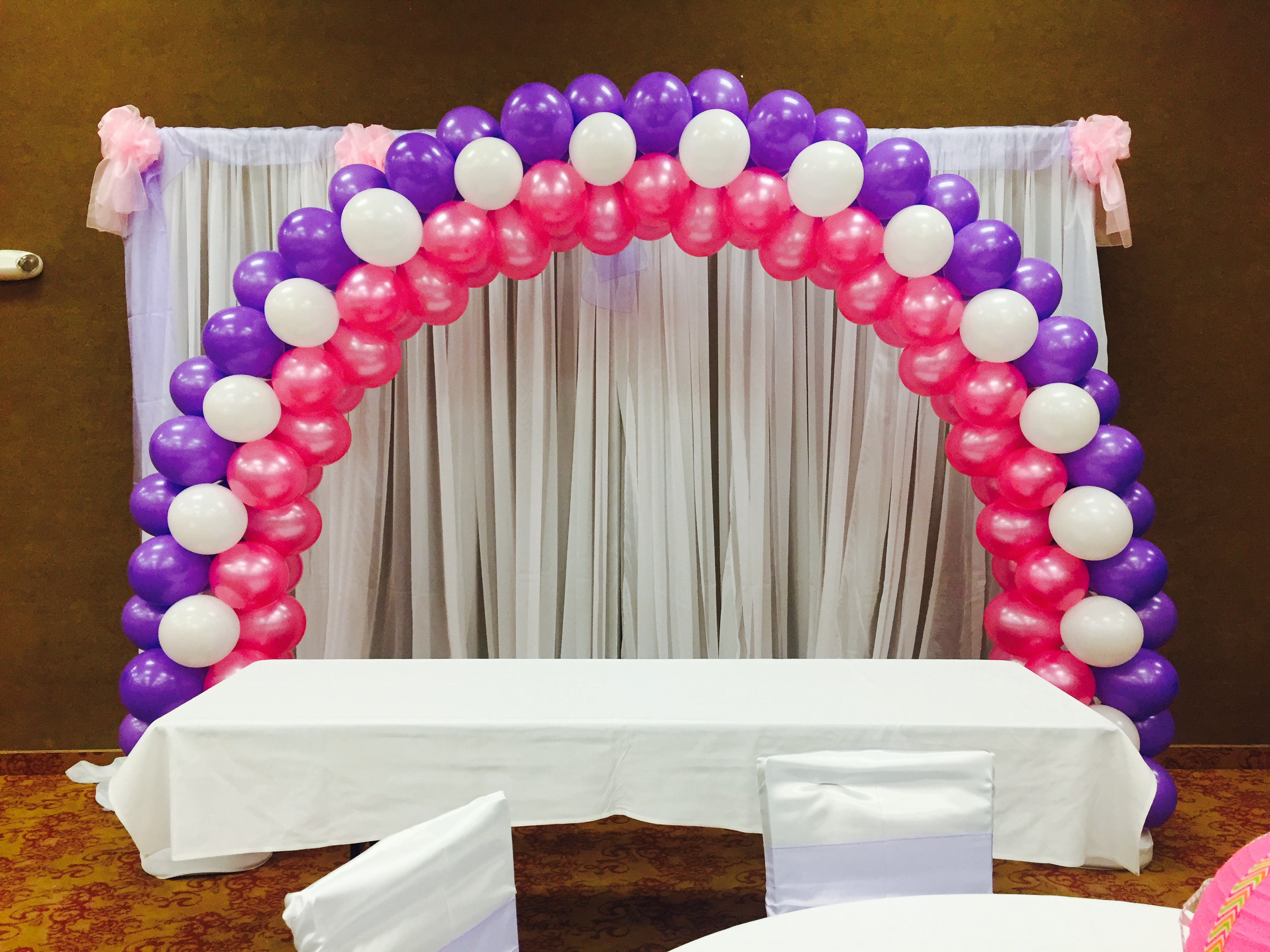 Balloon decorations gallery for Balloon decoration arches
