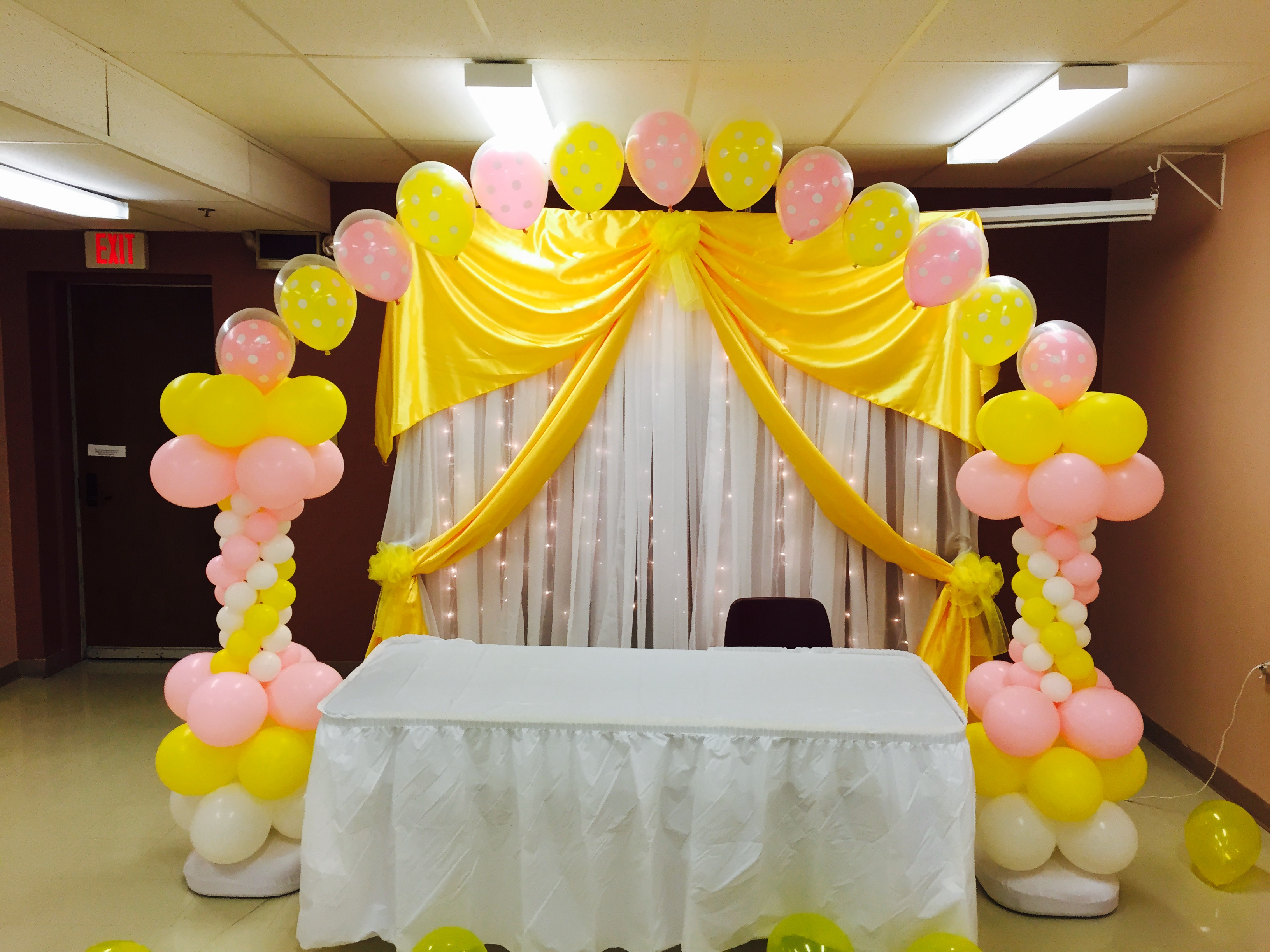 Balloon decorations gallery for Balloon arch decoration ideas