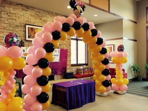 a minnie mouse arch denver decor balloon